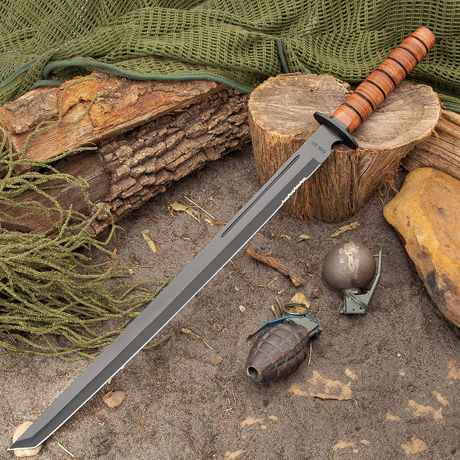 K EXCLUSIVE 1942 Marine Combat Sword with Sheath