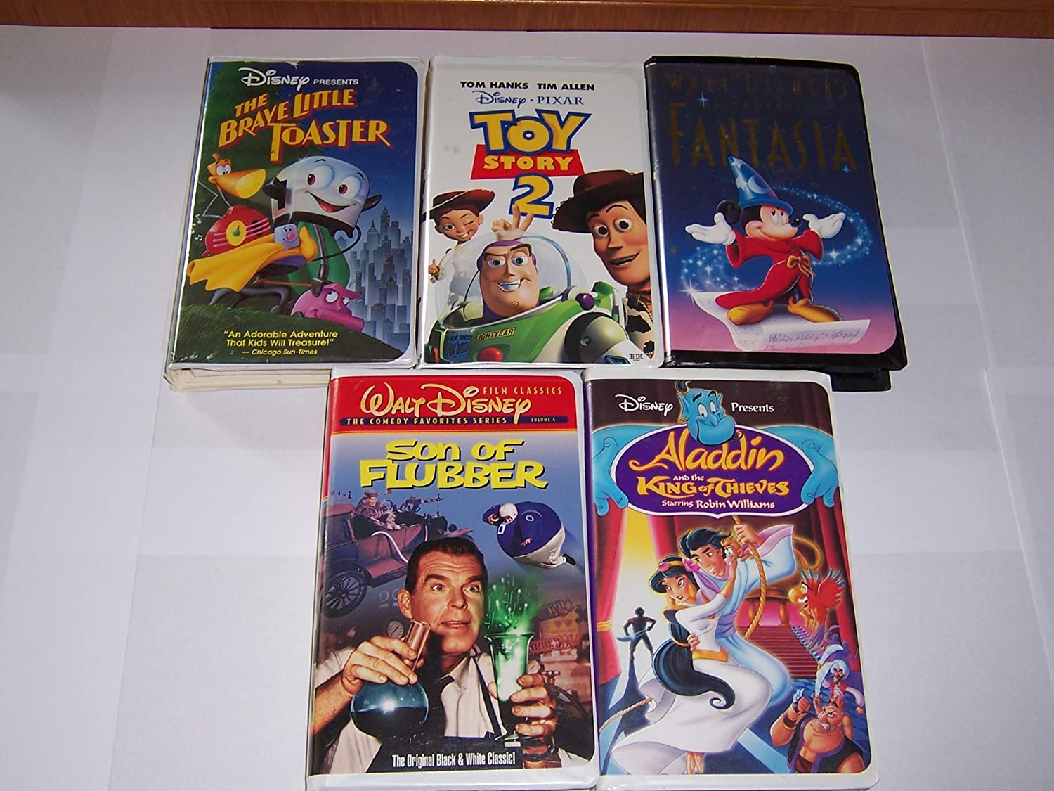 5 Disney VHS bundle (Toy Story 2 / Fantasia / Son of Flubber / Alladin and the King of Thieves / The Brave Little Toaster)