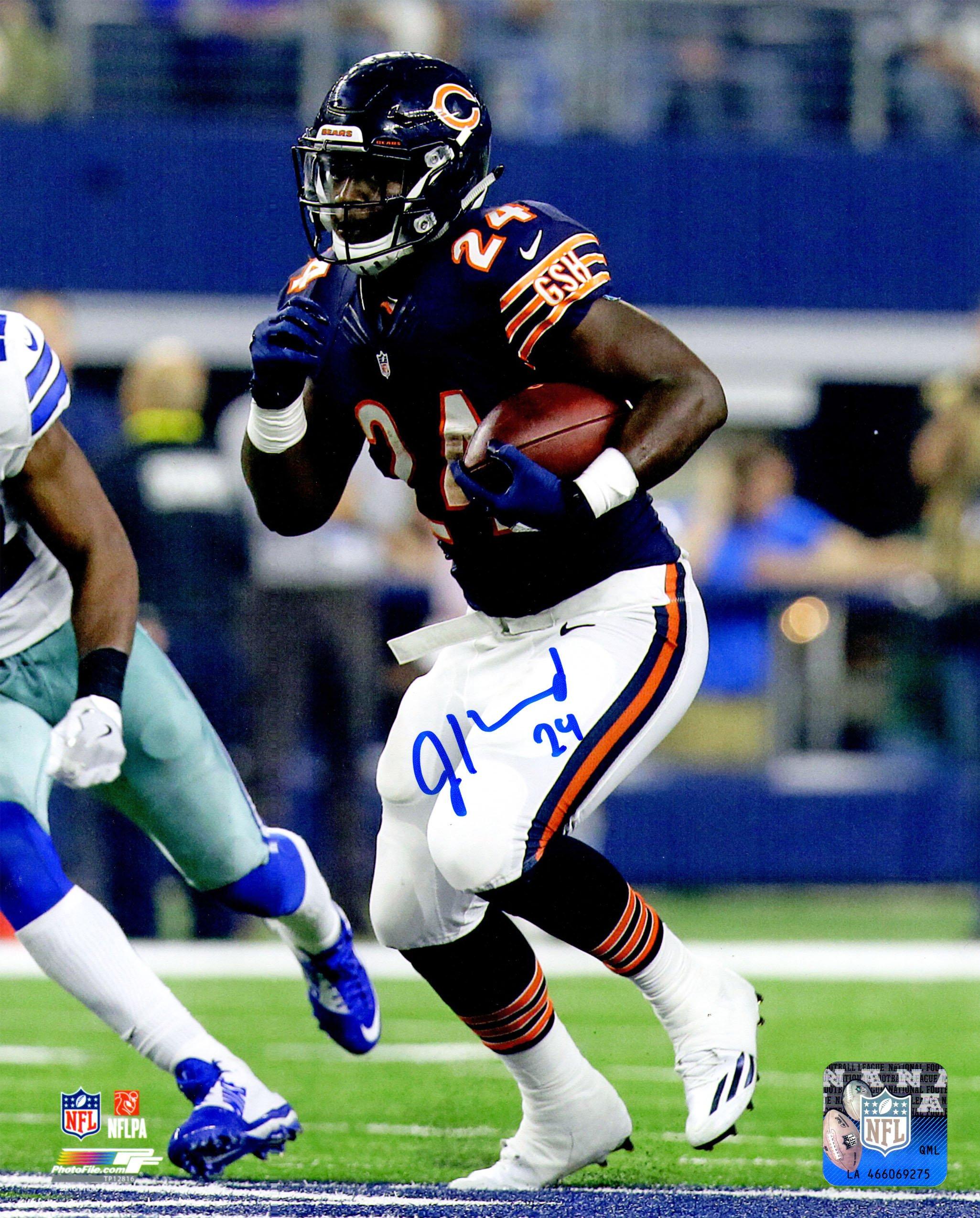 Jordan Howard Signed Chicago Bears Rushing Action 8x10 Photo