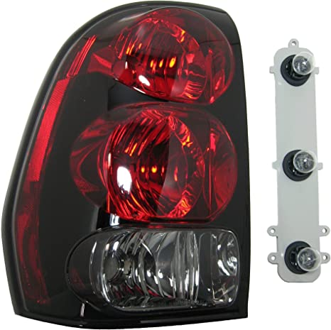 Left for 2002-2009 Chevrolet Trailblazer EXT Rear Tail Light Lamp Assembly // Lens // Cover Go-Parts Side 15131578 GM2800150 Replacement 2003 2004 2005 2006 2007 2008 Driver