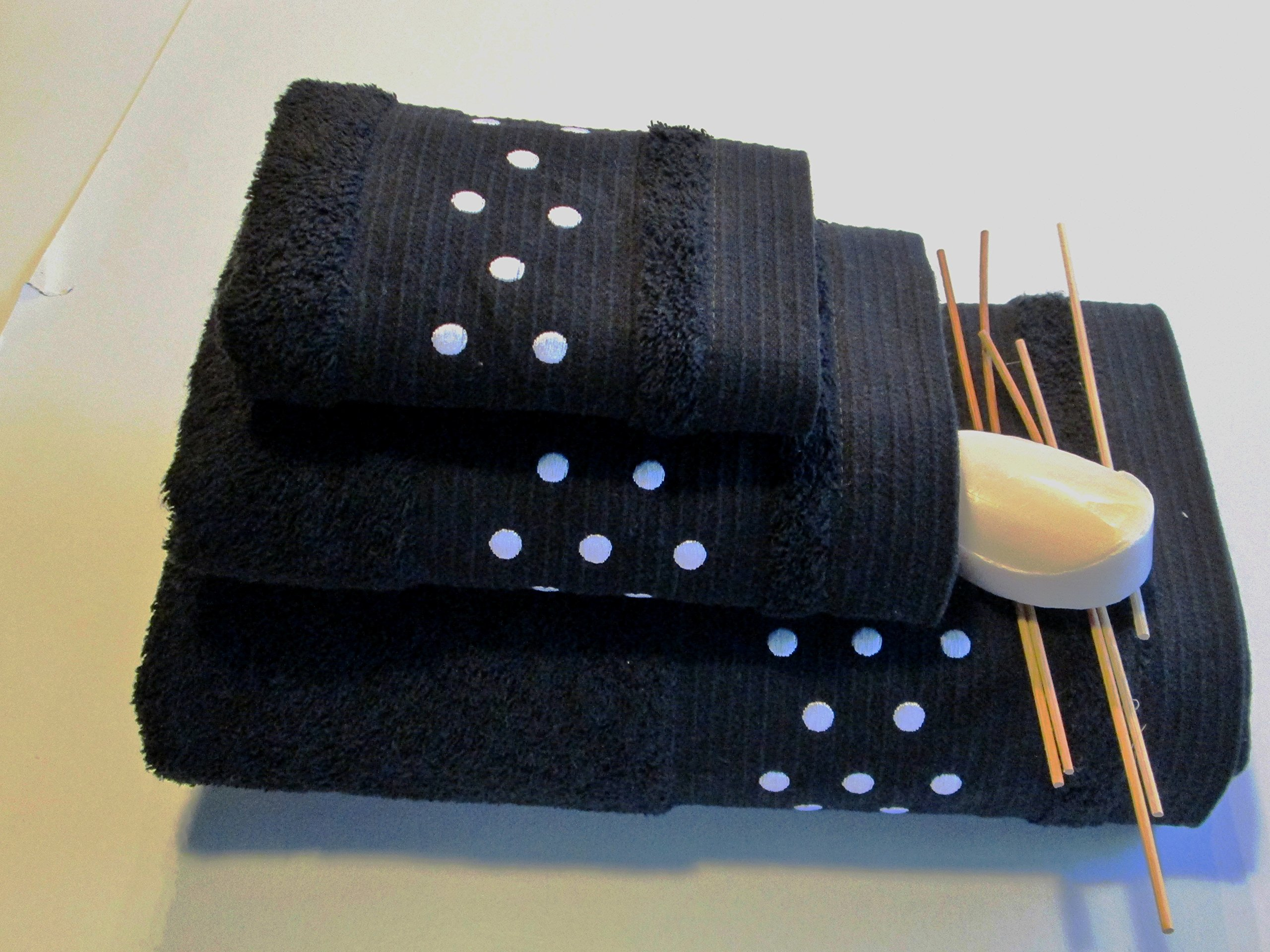 SPOTS BATH TOWELS - 3 PIECES SET - BATH SHEET + HAND TOWEL + FACE TOWEL - BLACK W/ WHITE