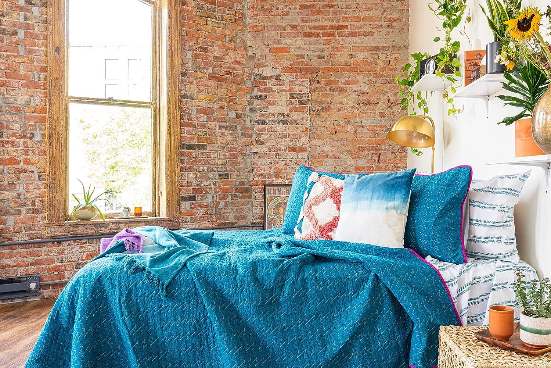 Refinery29 Quinn Arrow Bedding Collection Luxury 100% Cotton Premium Ultra Soft Quilt Coverlet, Lightweight Comfortable 4 Piece Set, Modern Design for Home Hotel Décor, Full/Queen, Blue/Grey