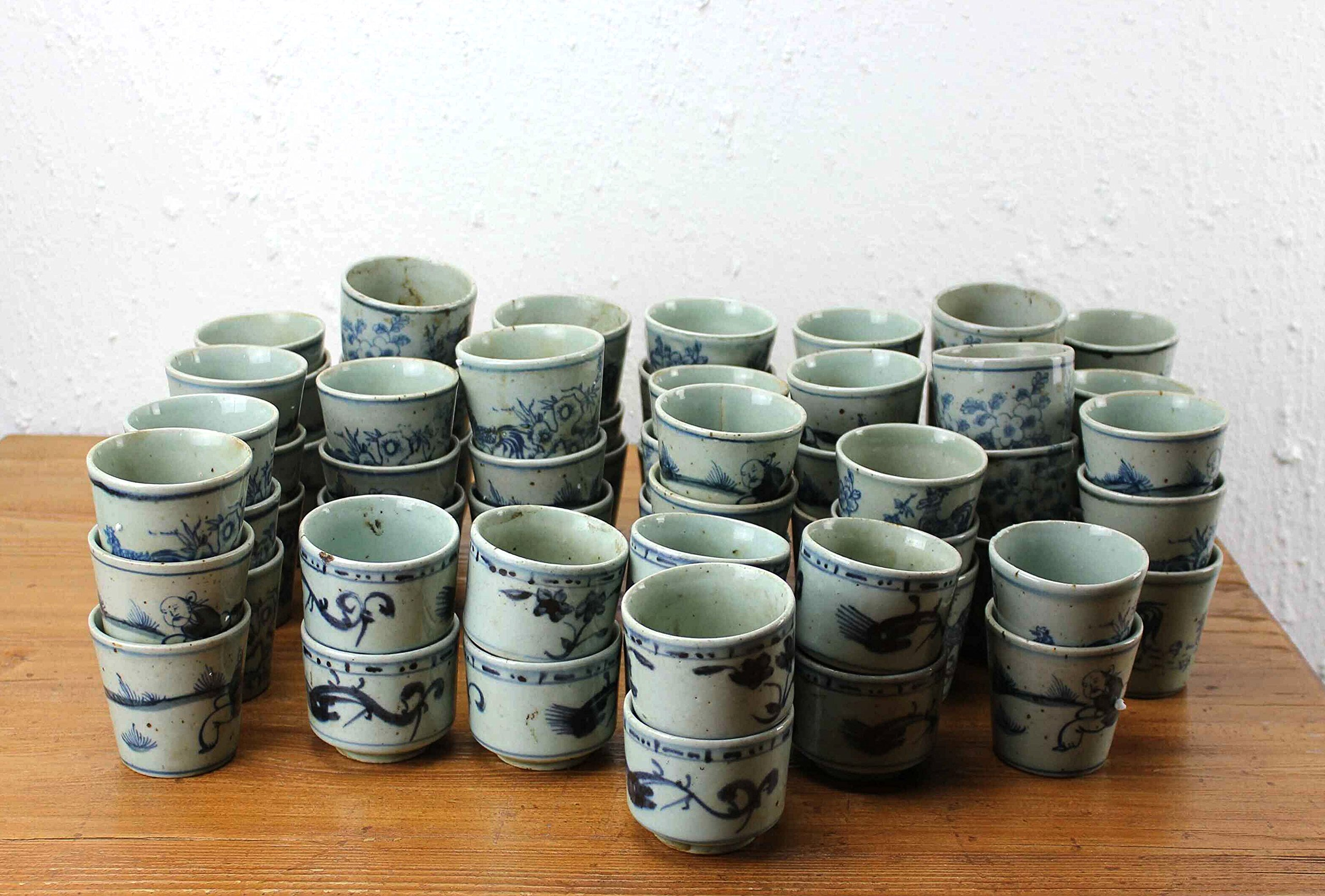 Sarreid SA-AN019 Collection of 64 Cups, Small, Blue/White