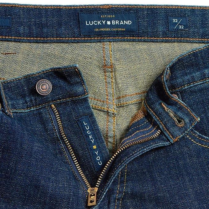b23da37263 Lucky Brand Men s 221 Original Straight-Leg Jean at Amazon Men s Clothing  store