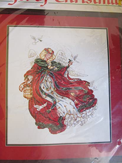 with 4 Gift Cards 5 by 7 inches Each Design Works Christmas Angels 5985-1 Counted Cross Stitch Kit with 4 Pictures