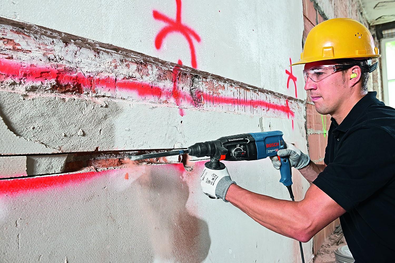 Der Boschhammer GBH 2-26 F Professional im Einsatz