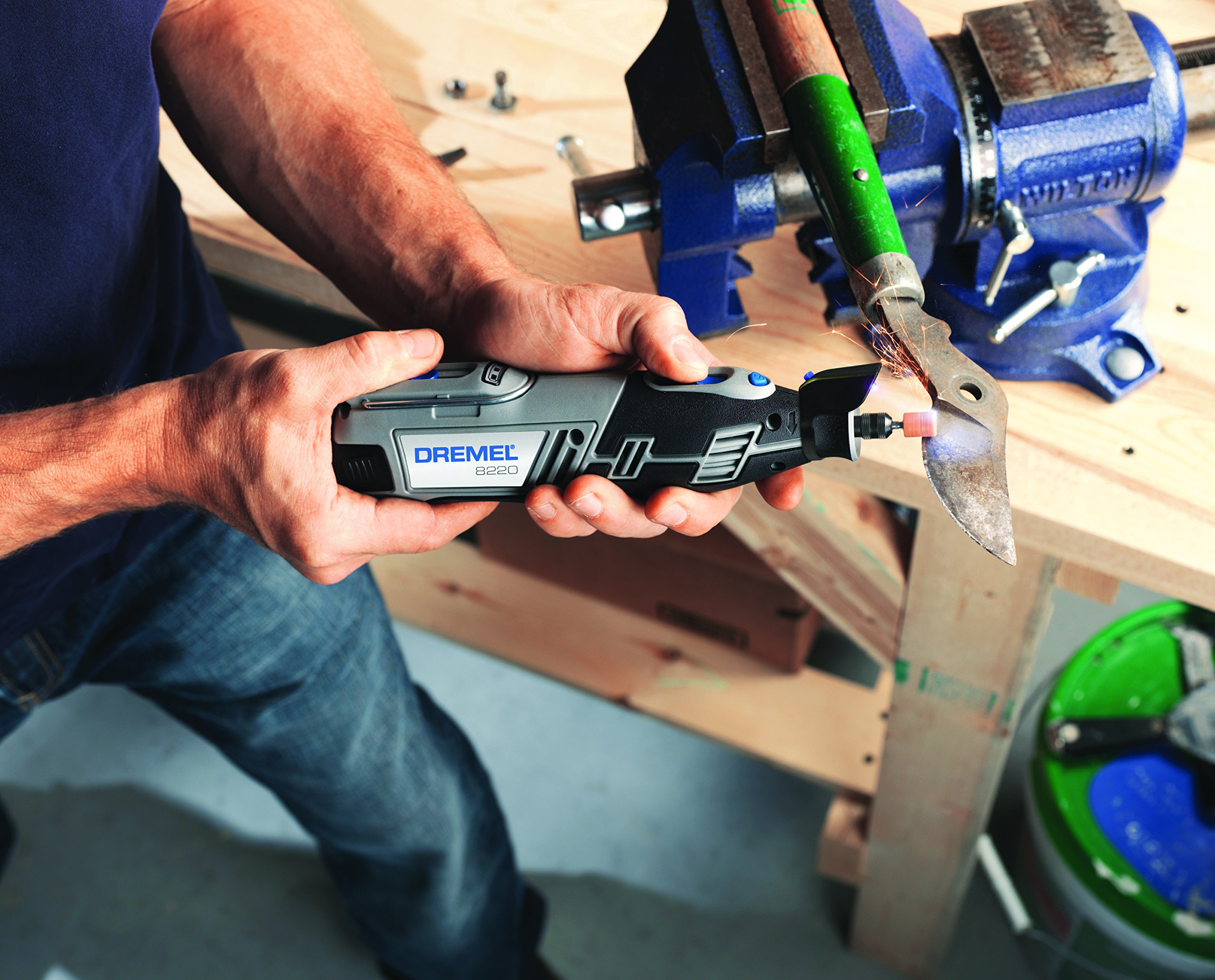 DREMEL 8220-2/45 F0138220JG 12v Multi tool - Howe Tools UK