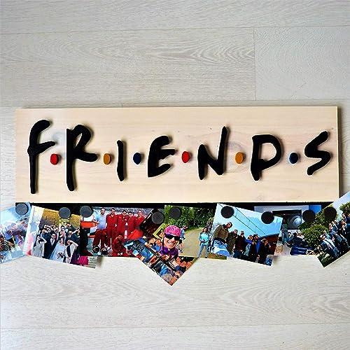 FRIENDS MERCHANDISING SERIE. CARTEL DE MADERA ARTESANAL PARA PONER FOTOS. REGALO IDEAL PARA FANS DE FRIENDS- 66 CM