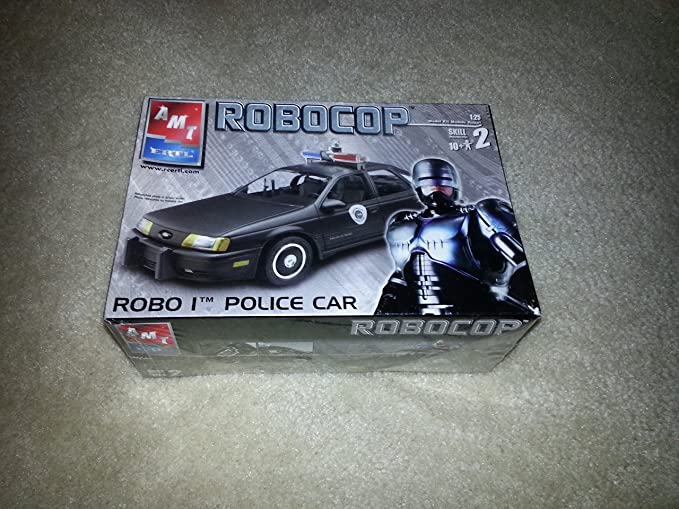 Amazon.com: AMT ERTL ROBOCOP 1:25 SKILL 2 MODEL(ROBO 1 POLICE CAR): Toys & Games
