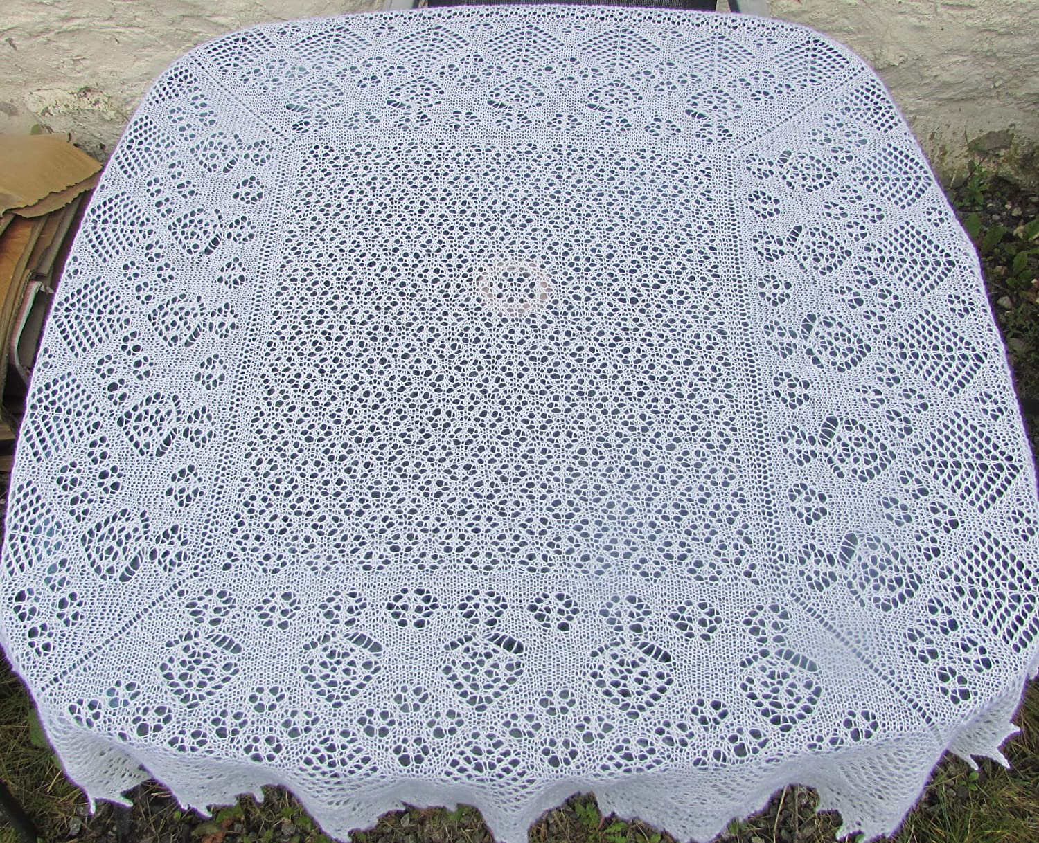 KNITTING PATTERN CIRCULAR AND SQUARE BABY BLANKET//SHAWLS IN 2-PLY