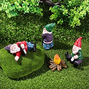DOUBLE2C Garden Drunk Gnome Camp Statues Decorations, 4Pcs Fairy Garden Accessories Collectible Figurines for Outdoor Decor, Miniature Resin Gardening Gnome Ornaments