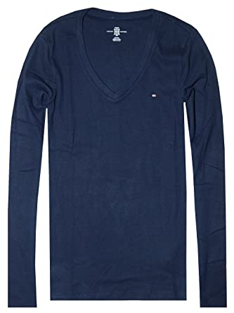 0b95138dc Amazon.com: Tommy Hilfiger Women's Long Sleeve Logo V-Neck T-Shirt ...