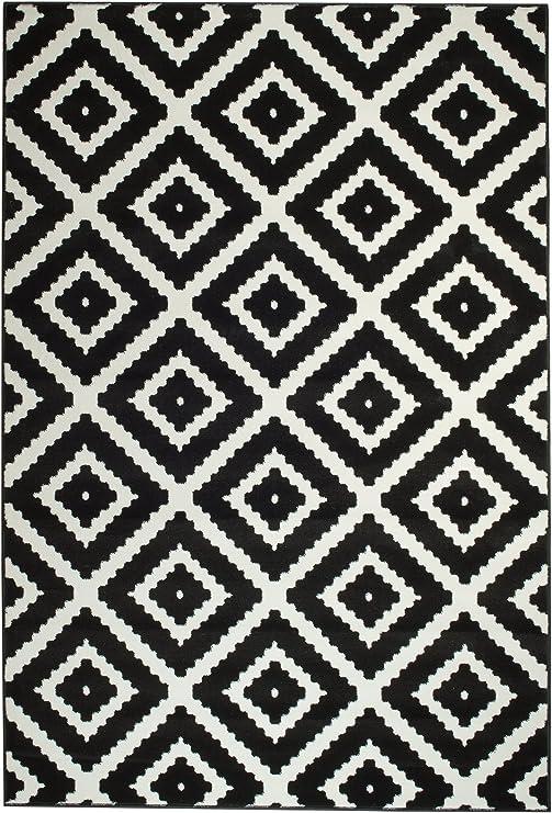 Amazon Com Summit 46 Black White Diamond Area Rug Modern Abstract