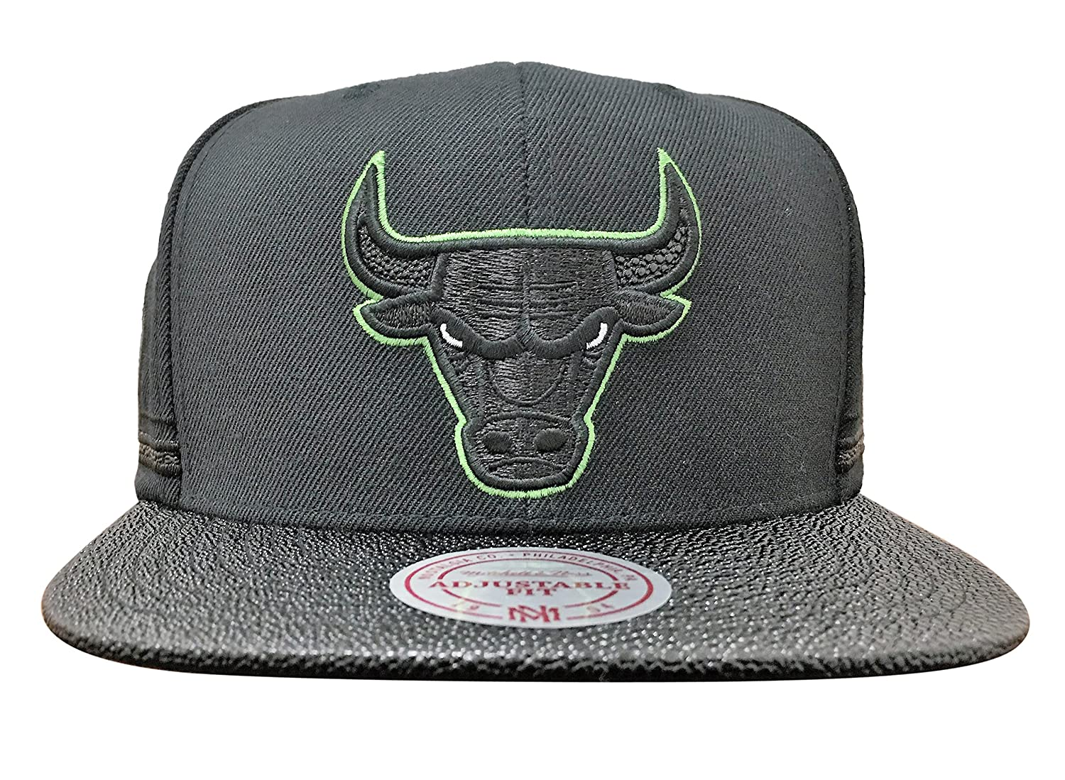 7763214ea4a Top1  Chicago Bulls Mitchell   Ness Altitude Jersey Snapback Hat. Wholesale  Price