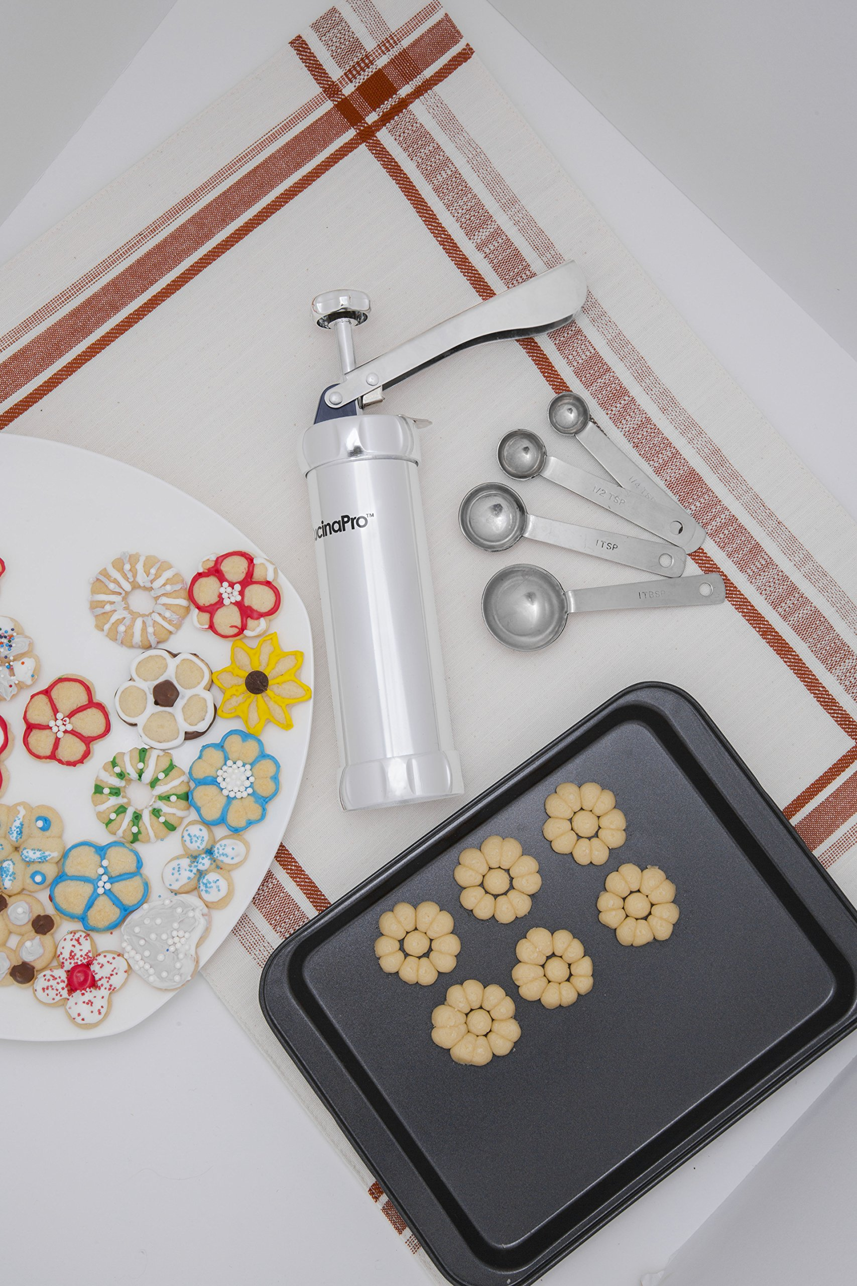 CucinaPro Cookie Press Set with 20 Discs and Four Icing Nozzles by CucinaPro (Image #2)