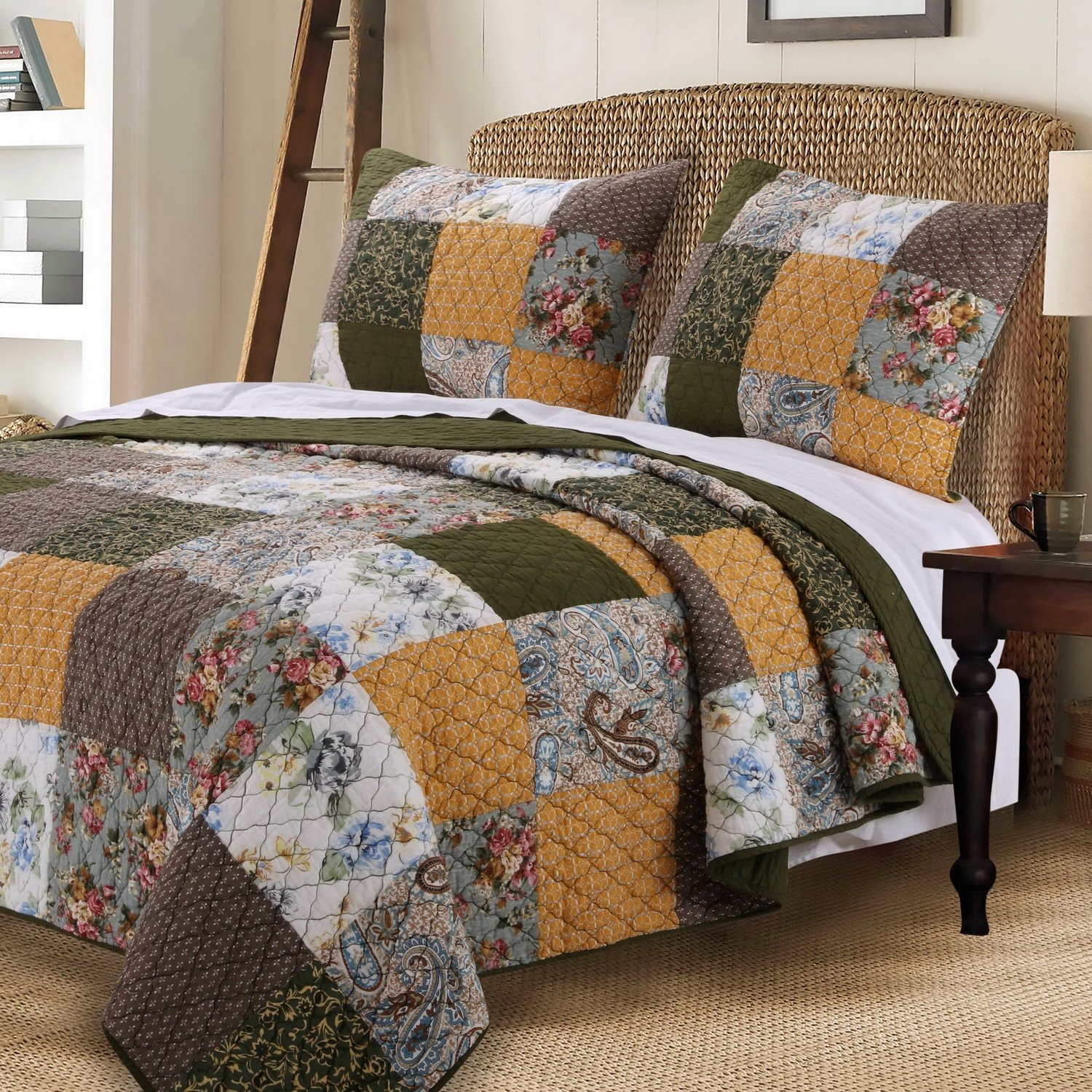 Vintage Country Paisley Floral Bedding Patchwork Pattern Gold Brown Green Luxury 100 Cotton Print Reversible Quilt 3 Piece Set with Shams Full/Queen Size - Includes Bed Sheet Straps