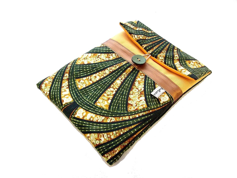 pochette pour tablette 8 pouces jaune et vert en wax , etui pour ipad mini a motifs ethniques , housse de liseuse pour femme en tissu africain , cadeau pour elle