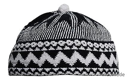 Amazon.com   Black Zigzag Design Muslim Beanie Kufi Hat w  White ... a681c5430f0