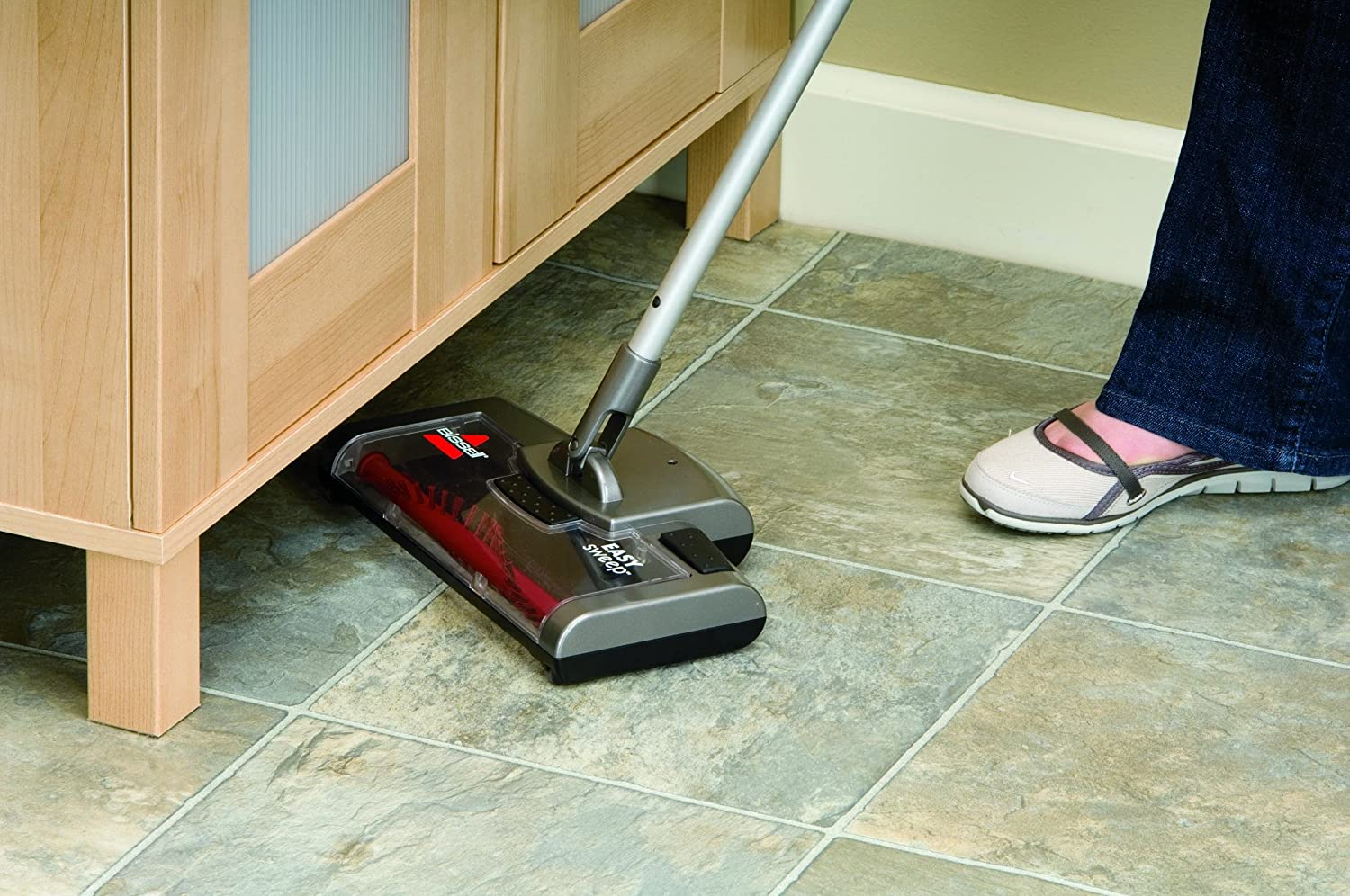 15D1A Bissell Easy Sweep Cordless Rechargeable Sweeper