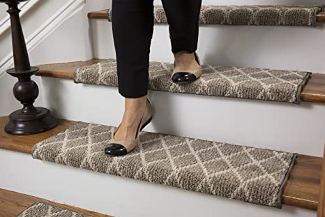 Jardin Wool Inspired Bullnose Carpet Stair Tread With Adhesive Padding    Fontainebleau, By Tread Comfort