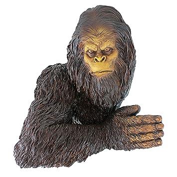 Design Toscano Bigfoot le Yeti Timide Sculpture d\'Arbre de Jardin ...
