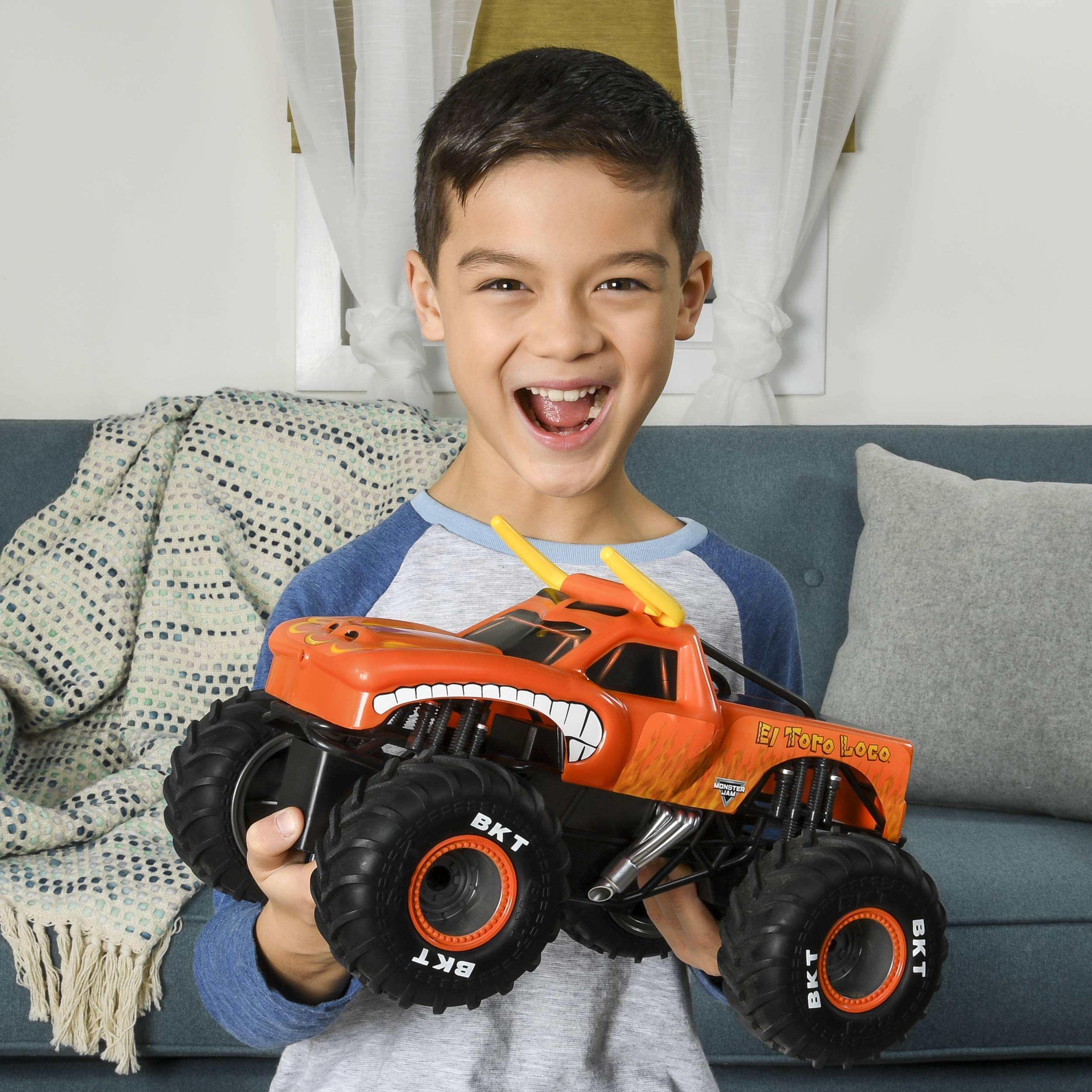 Monster Jam Official El Toro Loco Remote Control Monster Truck, 1:15 Scale, 2.4 GHz by Monster Jam (Image #6)