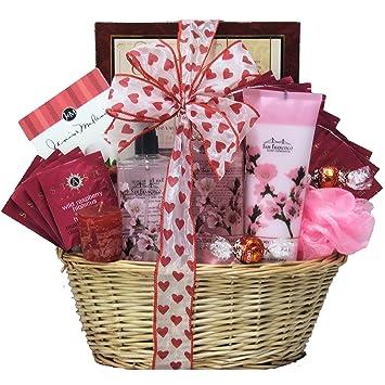 Amazon.com : GreatArrivals Gift Baskets Spa Retreat Valentine\'s ...