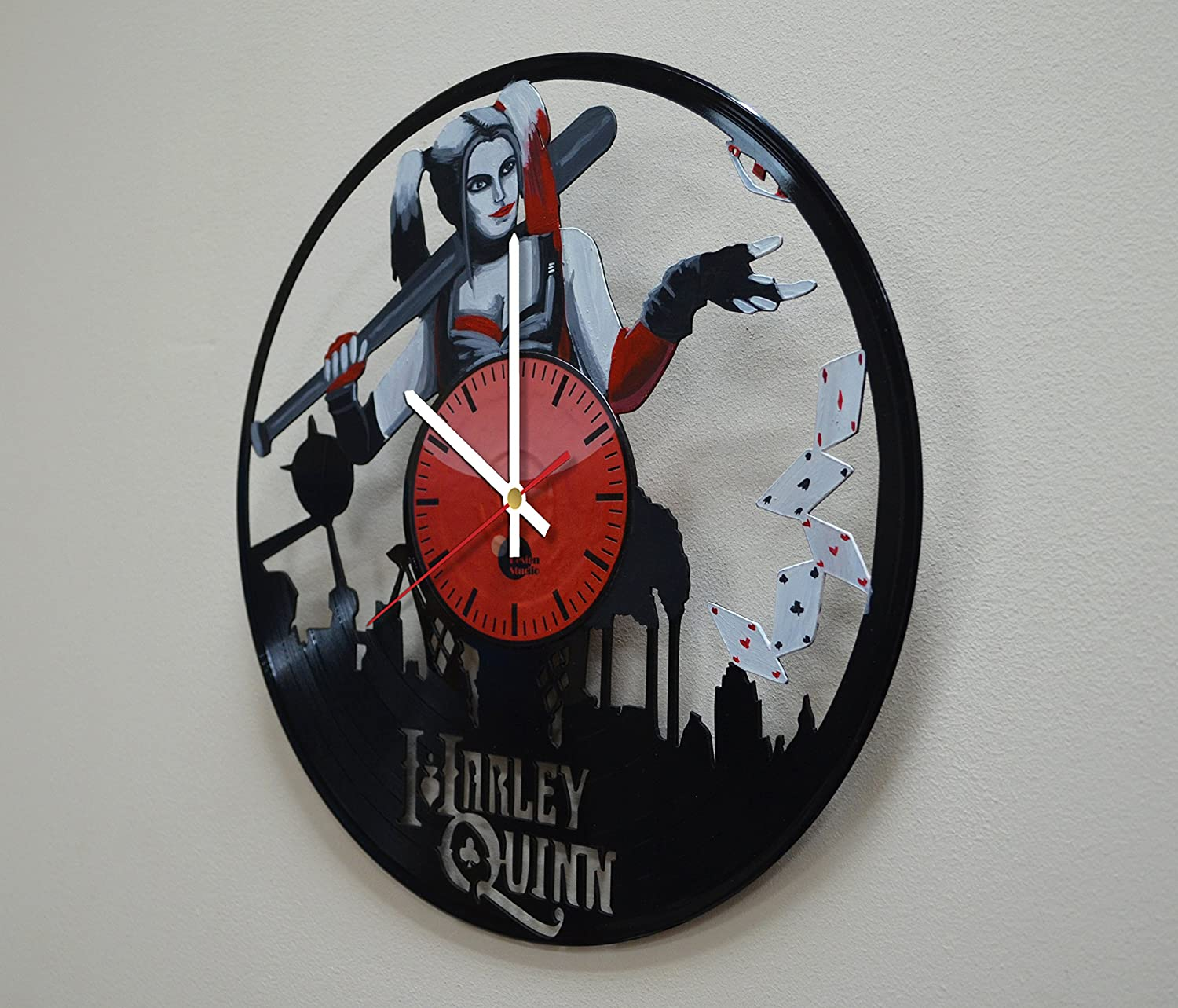 Taniastore Harley Quinn Design Handpainted Vinyl Record Wall Clock – Get Unique Bedroom or Living Room Wall Decor – Gift Ideas for His and Her – Unique DC Comics Fan Art