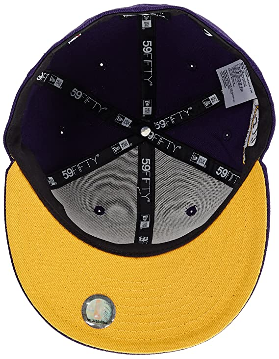 New Era Era - Berretto dei Los Angeles Lakers Kobe Bryant Retirement  59FIFTY Lilla 7.7 8  Amazon.it  Abbigliamento db1ad3ce08bd