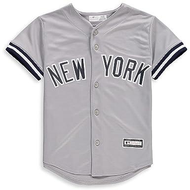 b5de935bdf10 Amazon.com  New York Yankees Blank Gray Youth Cool Base Road Jersey ...