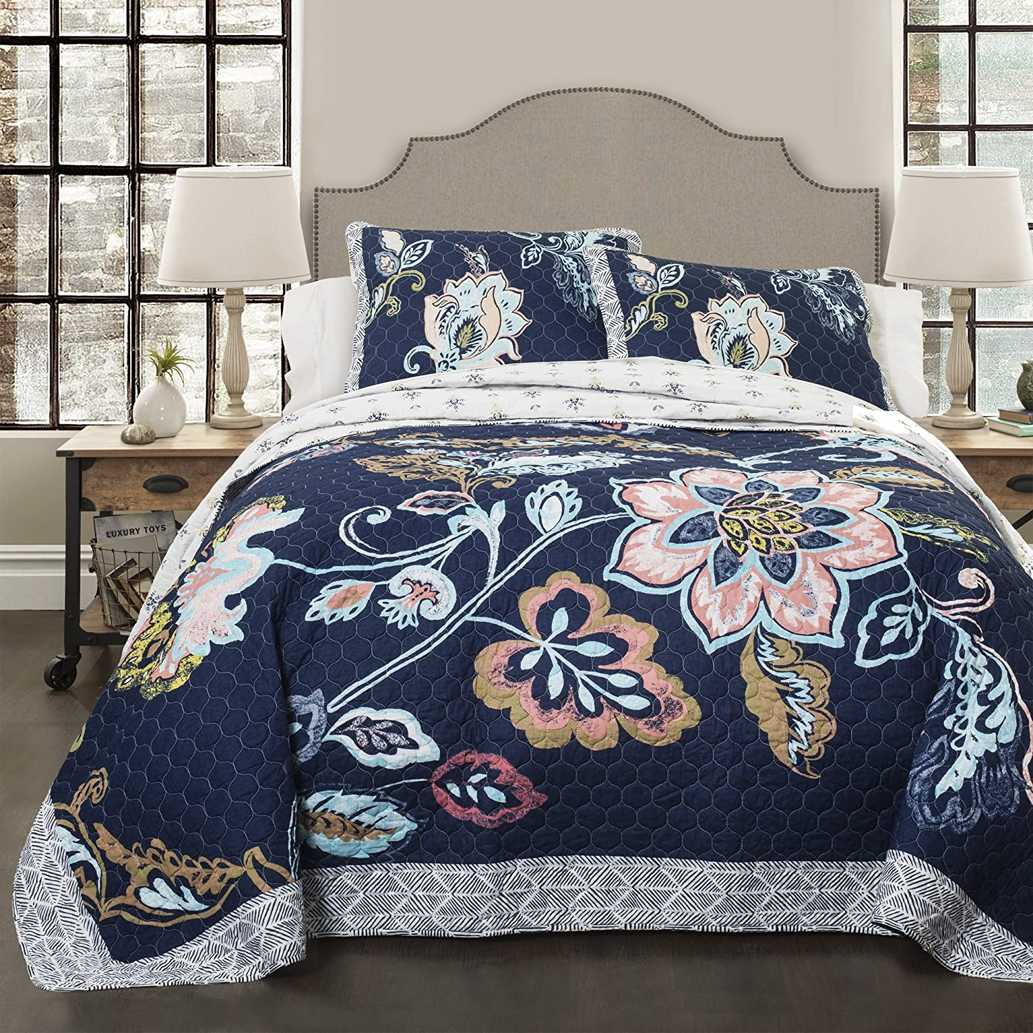 Lush Decor Aster Quilt Flower Pattern Reversible Navy 3 Piece Lightweight Bedding Set, King Blanket Bedspread,