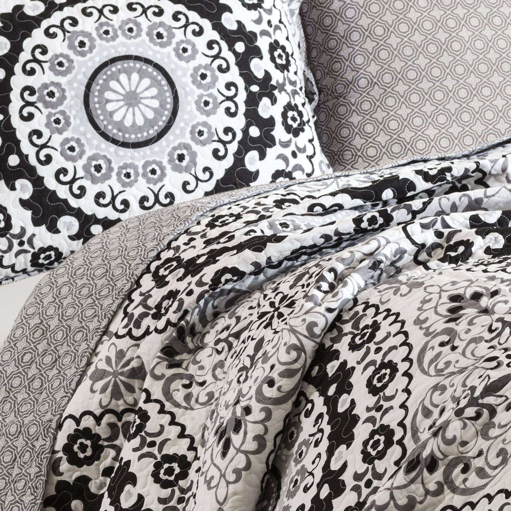 Lush Decor 3 Piece Laurel Wood Circle Quilt Set, Full/Queen, Gray/Black by Lush Decor (Image #2)