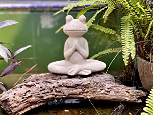 Elly Décor 8.5 Inch Tall Meditating Yoga Peace Todd Sculpture Figurine, Lawn Garden Statue Décor Made of Ceramic Zen Frog, White Stone