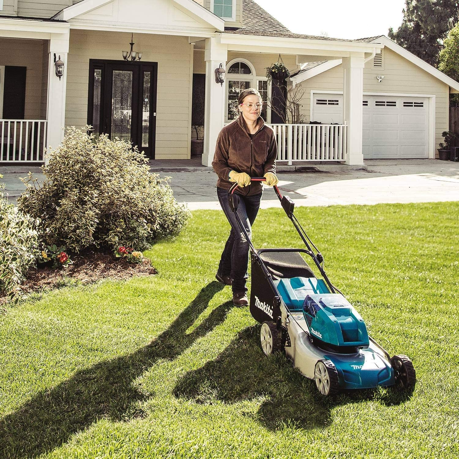 "Makita XML03PT1 18V X2 (36V) LXT Lithium‑Ion Brushless Cordless (5.0Ah) 18"" Lawn Mower review"