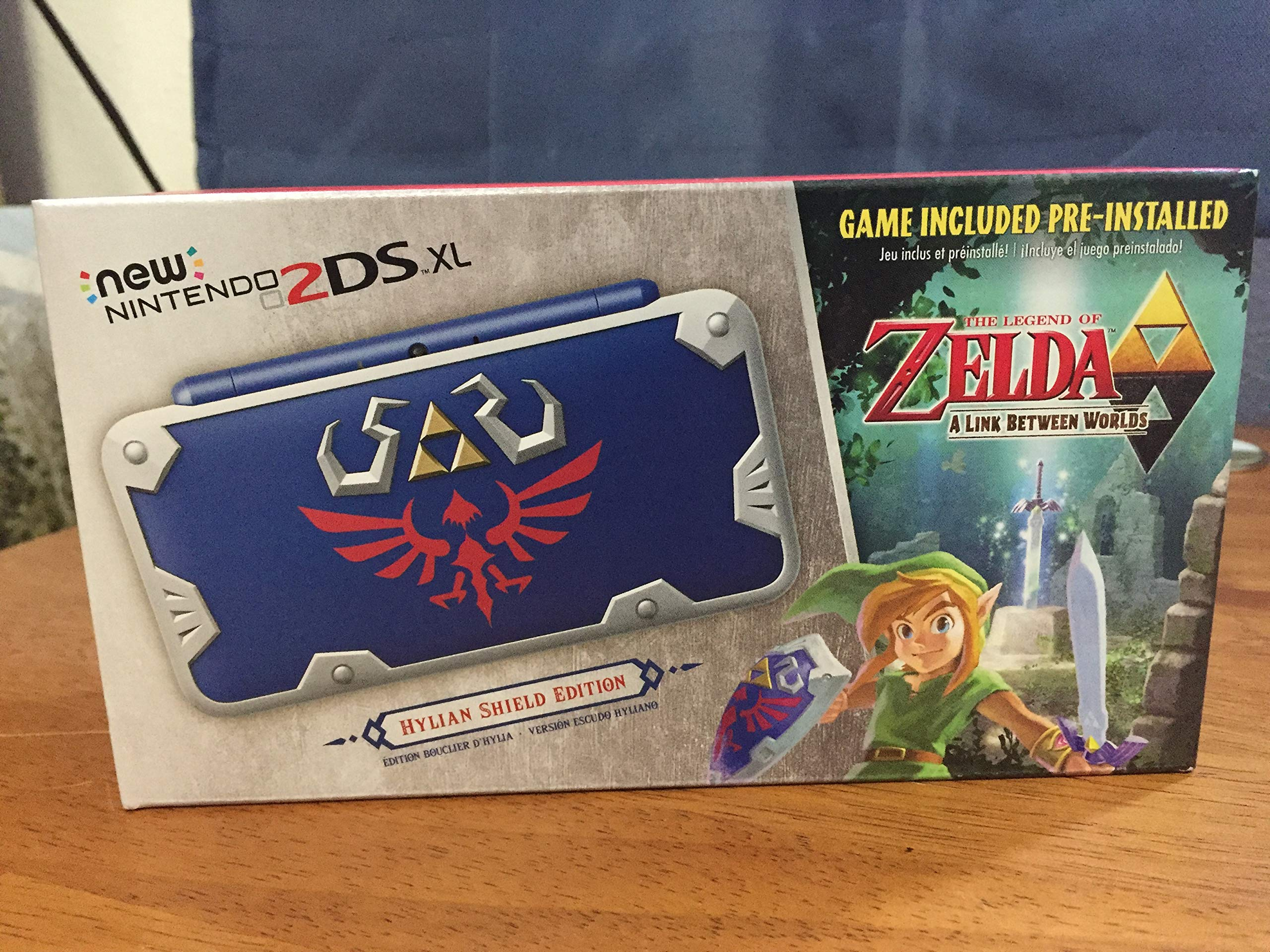 New Nintendo 2DS XL Hylian Shield Ed., w/ Legend of Zelda: A Link Between Worlds