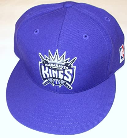 43c4a60278566 Image Unavailable. Image not available for. Color  Sacramento Kings Flat  Brim Fitted Adidas Hat ...
