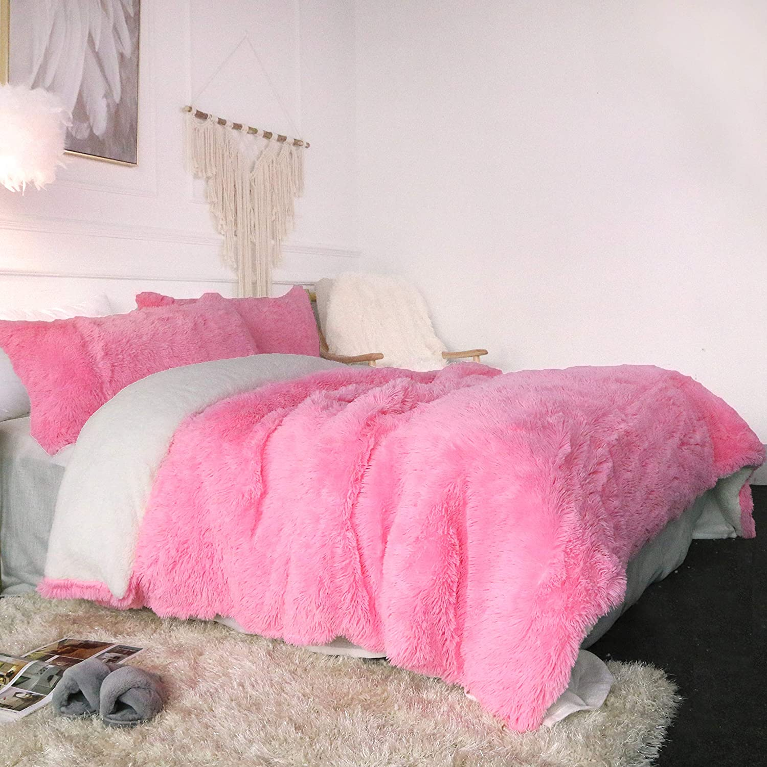 Sleepwish Luxury Plush Shaggy Bedding - 3 Pieces - 1 Faux Fur Duvet Cover and 2 Pillow Sham - Long Shaggy Hair, Sherpa Fleece, Reversible Comforter Cover Set - Pink -King