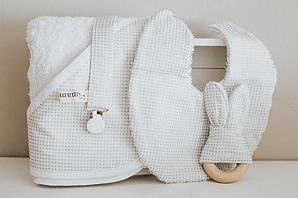 Bebé recién nacido / Unisex / Pack regalo hecho a mano con babero ...