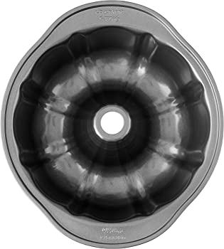 Wilton Perfect Premium Non-Stick 9-Inch Fluted Tube And Bundt Pan