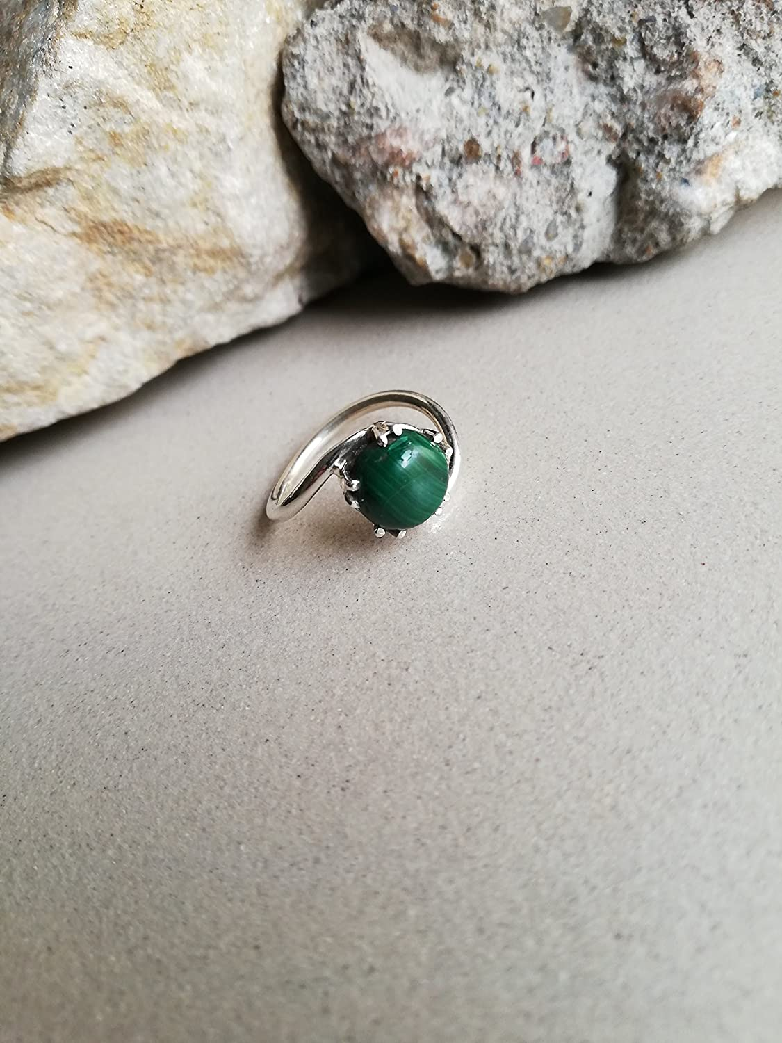 Malachite Ring, 925 Sterling Silver Ring, Staking Ring, Prong Ring, Attractive Ring, Bohemian Ring, Gypsy Ring, Handmade Ring, Hypoallergenic Ring, Prong Ring, Protraction Ring, Boho Ring, US All Size Ring.......