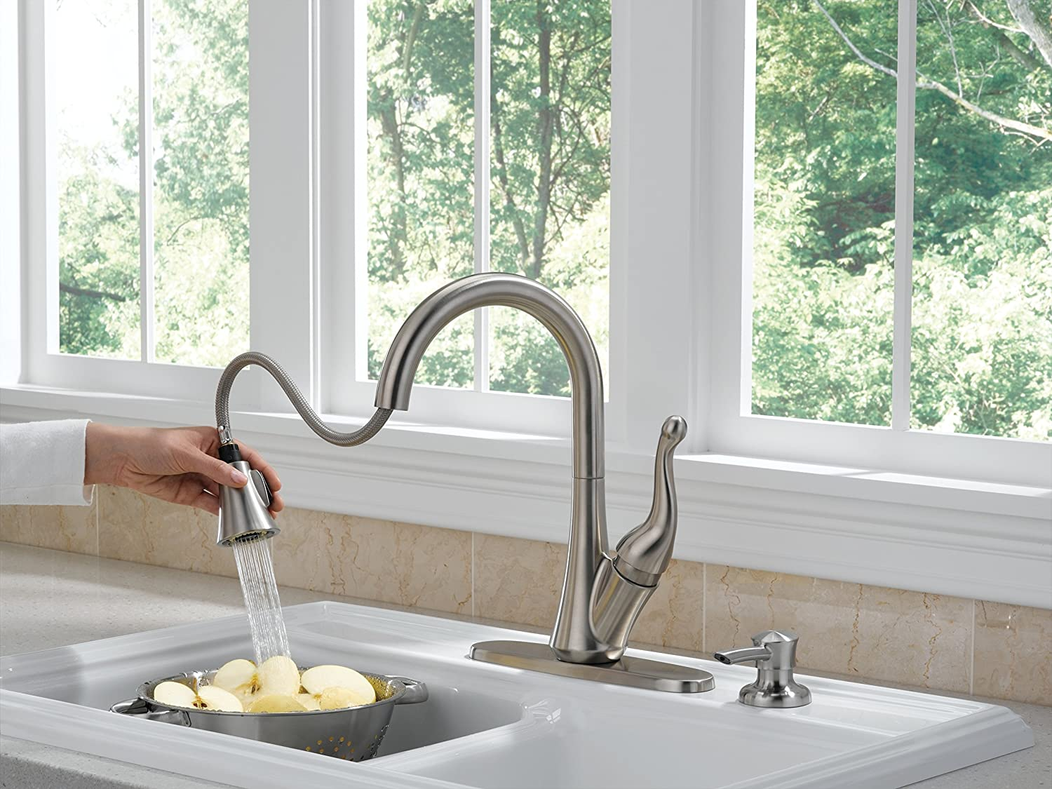 Delta 16968-SSSD-DST Talbott Single-Handle Pull-Down Kitchen Faucet ...