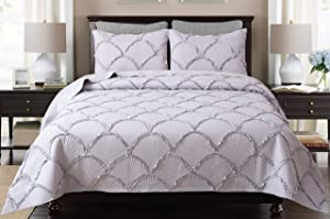 Felix Angela Home Quilt Set Silver Twin Size (68x88 inches)-Shell Ruffle Pattern Bedspread-Soft Microfiber Lightweight Coverlet for All Seasons-3 Piece (Includes 1 Quilt and 2 Shams)