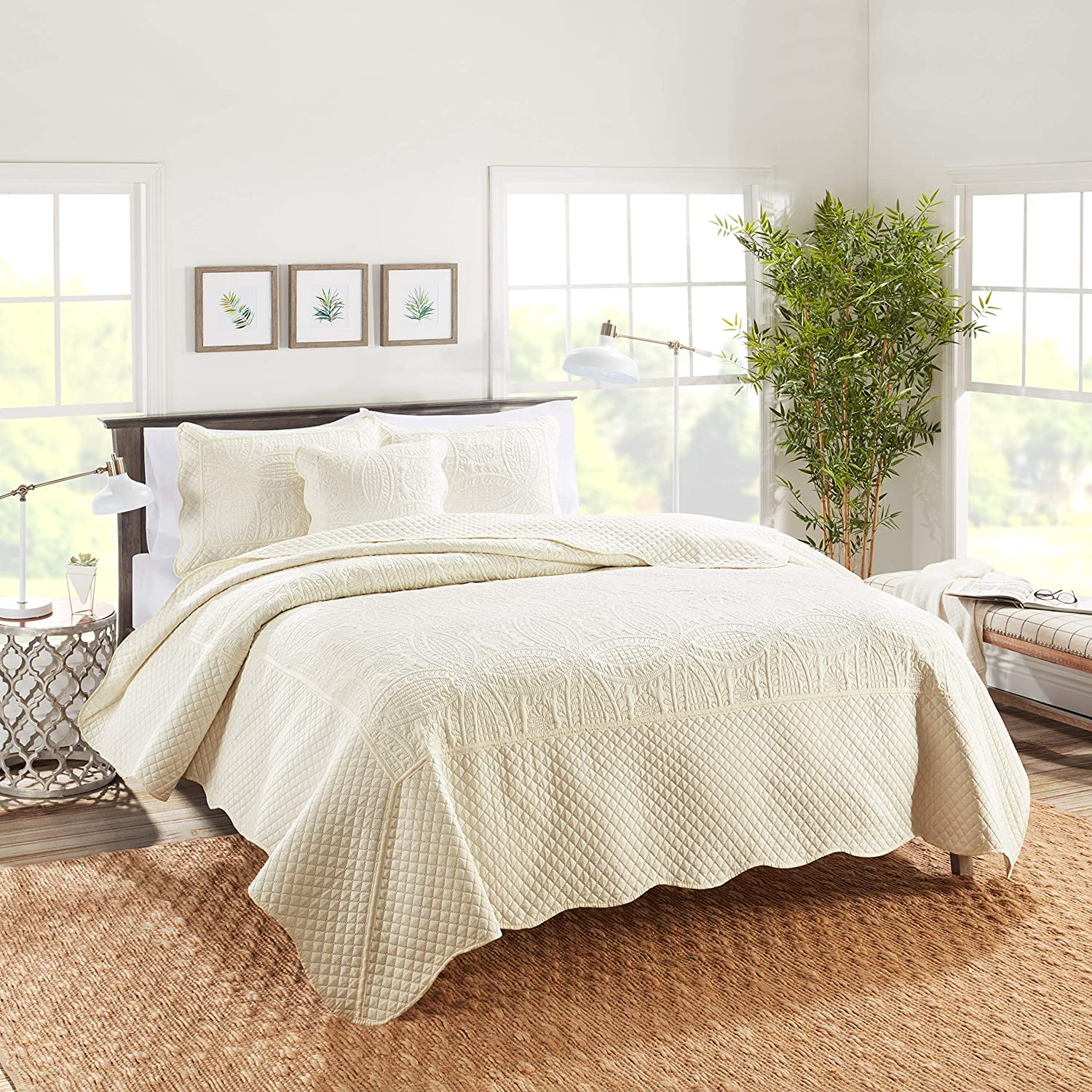 Nestl Bedding 4-Piece Celtic Cable Microfiber Oversized Queen Quilt Set with Pillow Shams, Cream Ivory
