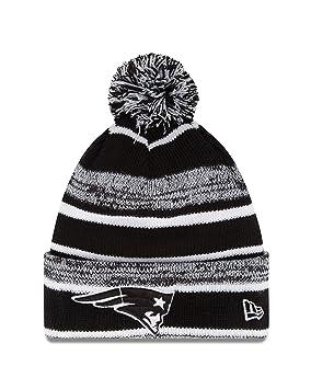 4cb9015164a47 New England Patriots New Era 2014 NFL On Field Sport Knit Hat- Black White   Amazon.co.uk  Sports   Outdoors