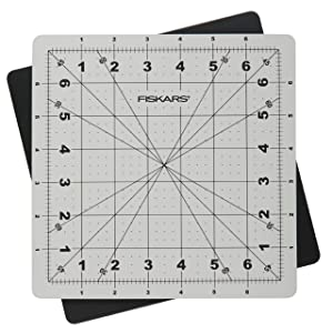 Fiskars 8x8 Inch Rotating Cutting Mat