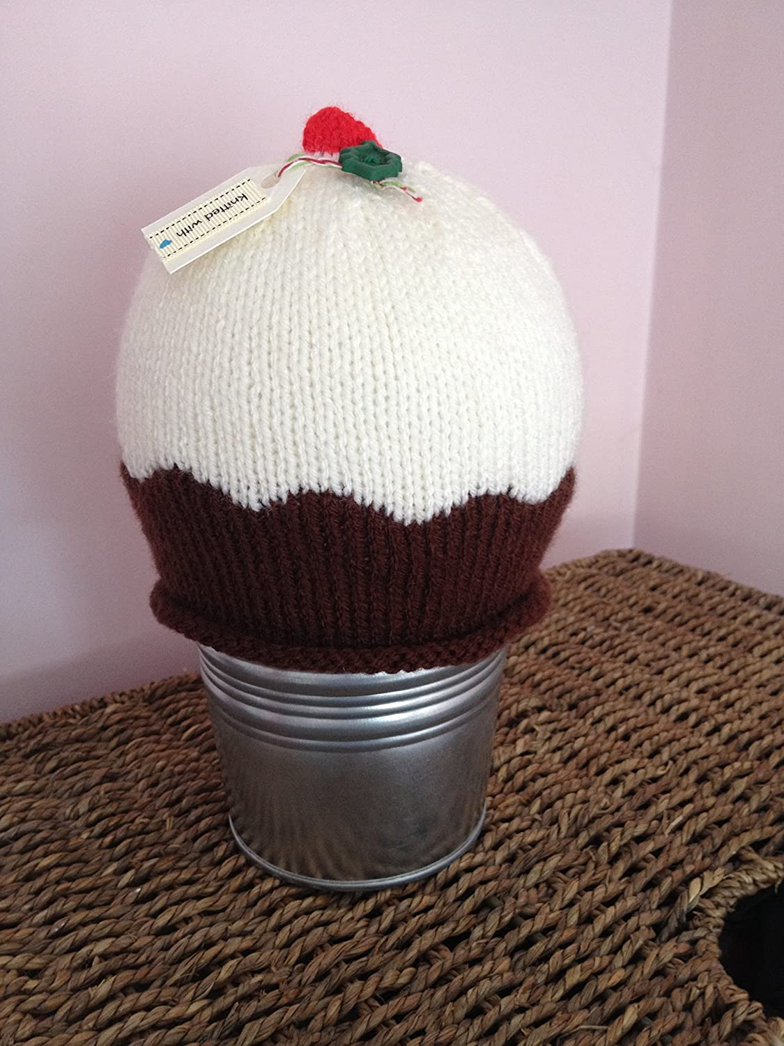 Christmas pudding hand-knitted hat - sizes 0-6 months to adult
