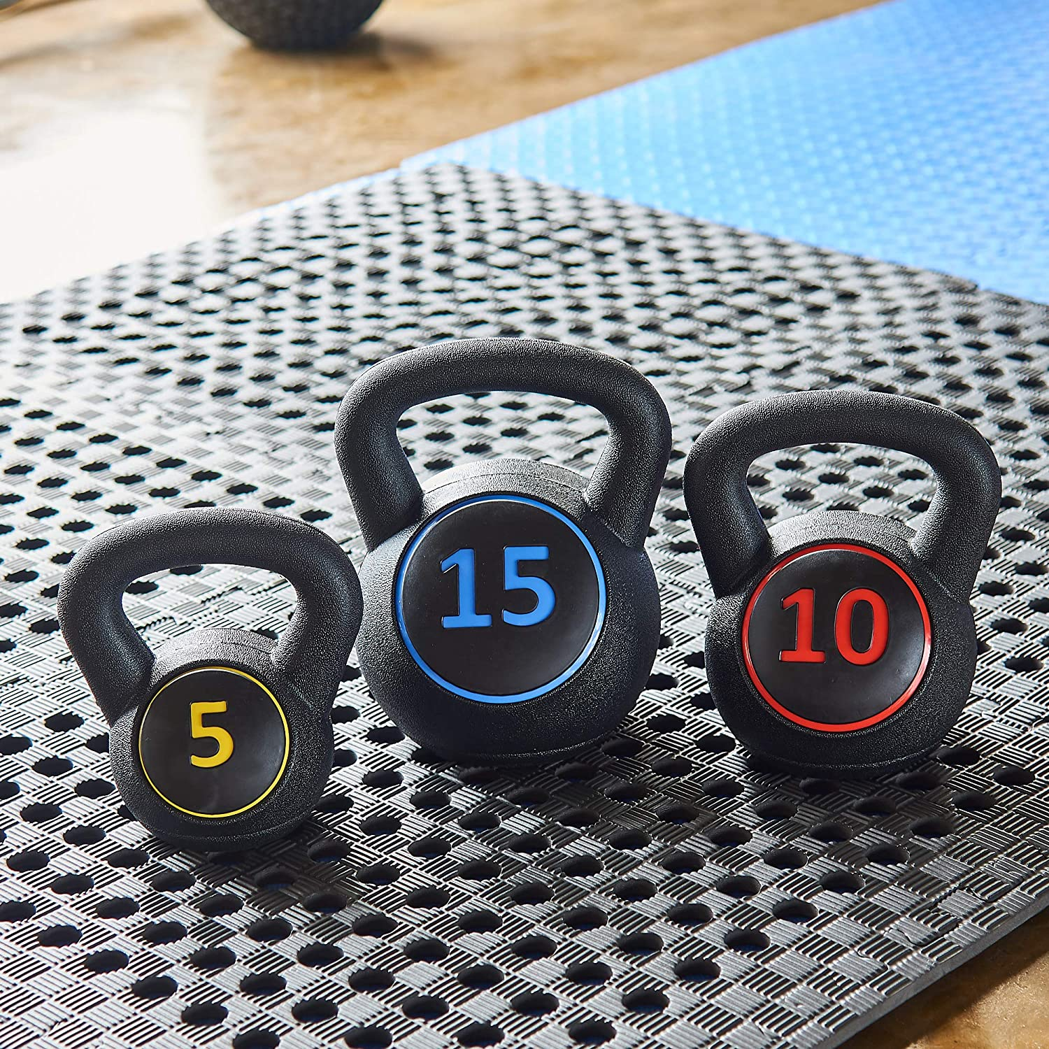 Amazon.com : BalanceFrom Wide Grip 3-Piece Kettlebell Exercise Fitness Weight Set, Include 5 lbs, 10 lbs, 15 lbs, Black : Sports & Outdoors