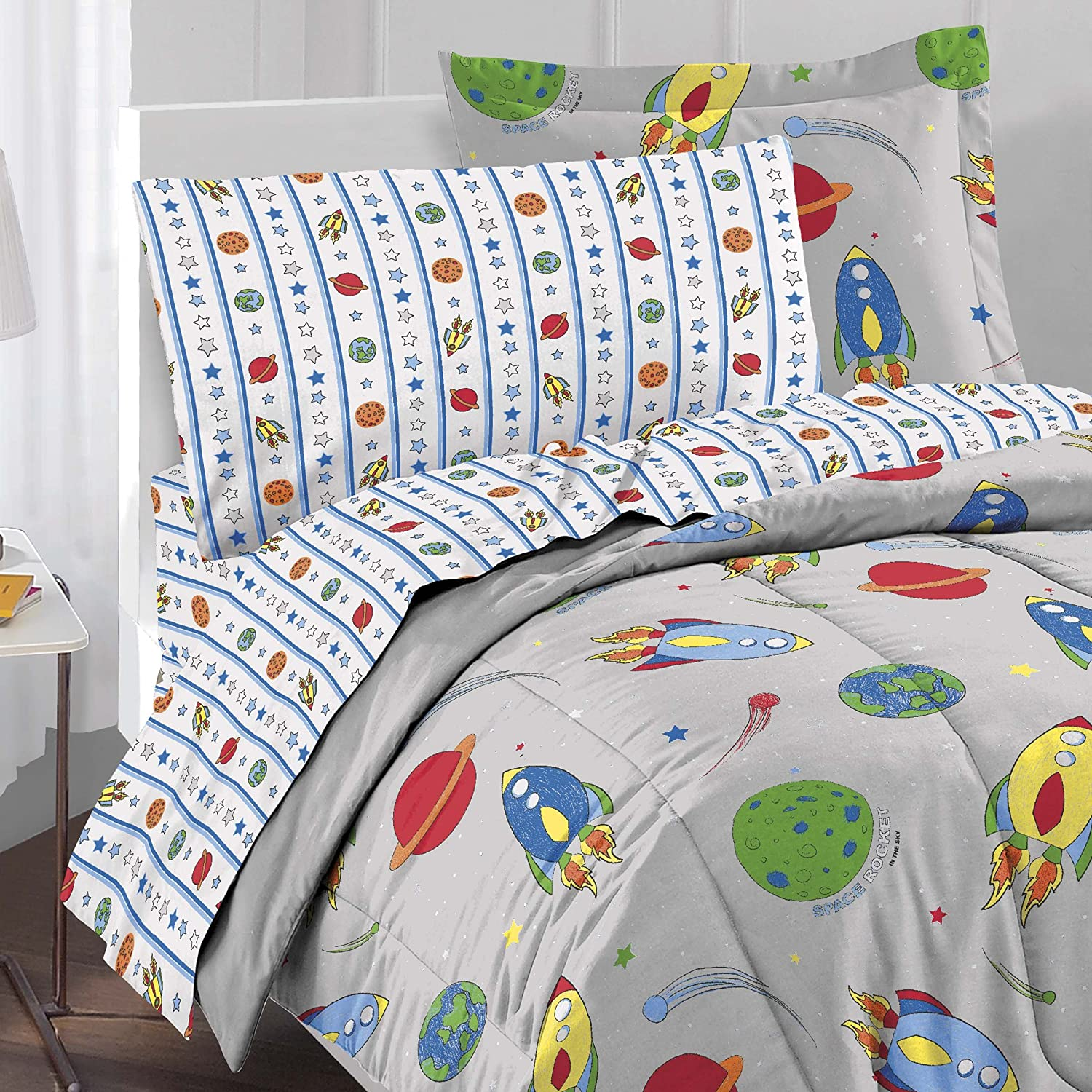 Amazon com  Dream Factory Space Rocket Ultra Soft Microfiber Comforter Set   Multi Colored  Twin  Home   Kitchen. Amazon com  Dream Factory Space Rocket Ultra Soft Microfiber