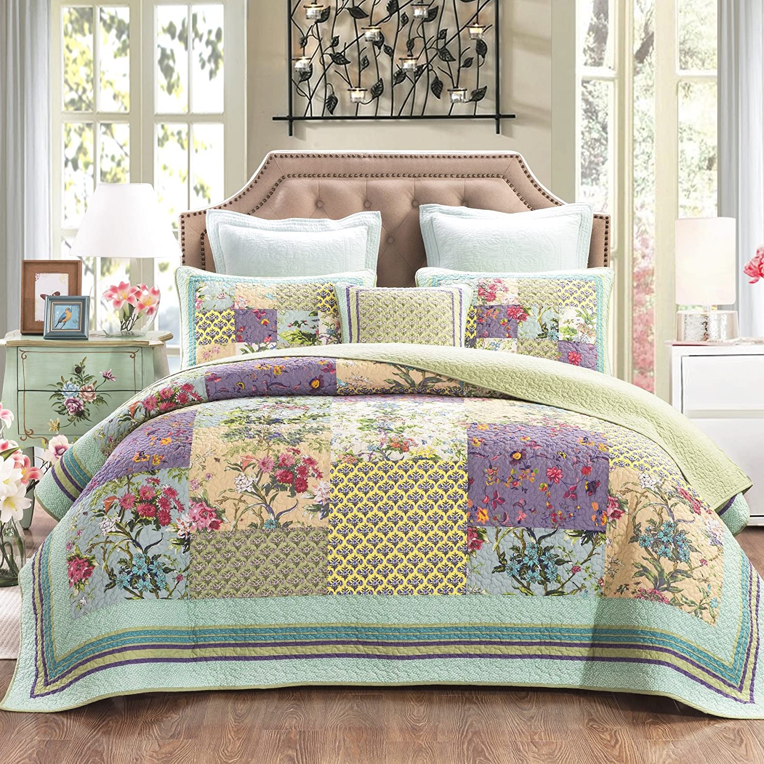 DaDa Bedding Frosted Pastel Gardenia Bohemian Reversible Cotton Real Patchwork Quilted Coverlet Bedspread Set