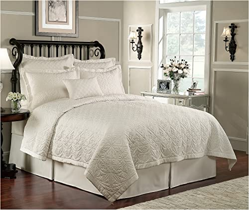 Waterford Lismore Quilt Ivory 12×18 Dec Pillow